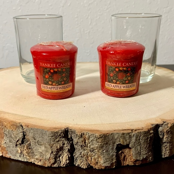 Yankee Candle   Red Apple Wreath Votive Candles